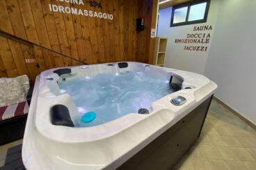 Vasca idromassaggio riscaldata